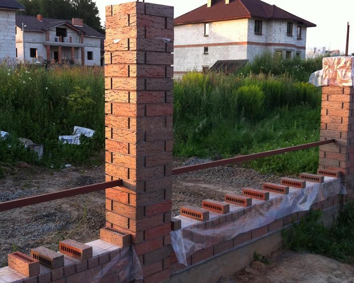 Клинкерный кирпич, забор из клинкера