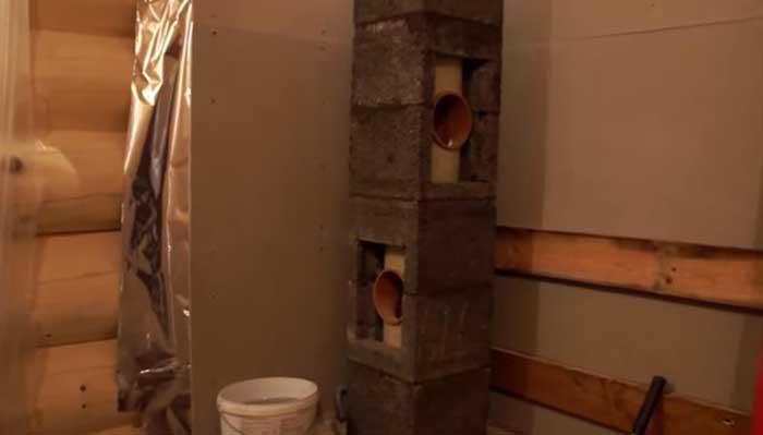 Монтаж, бетонный блок, керамическая труба, тройник